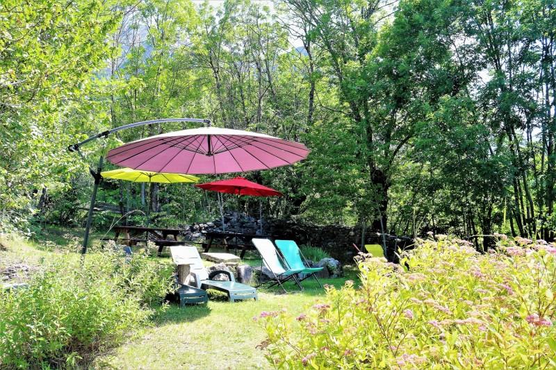 la-jarbelle-table-et-chambre-d-hotes-jardin-3-66