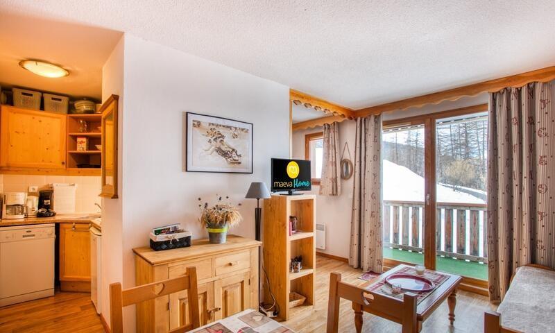_ws-photos_HIVER_les-orres_residences_residence-les-monts-du-bois-d-or---les-colchiques_appartement-2-pieces-6-personnes---confort_9_2753883