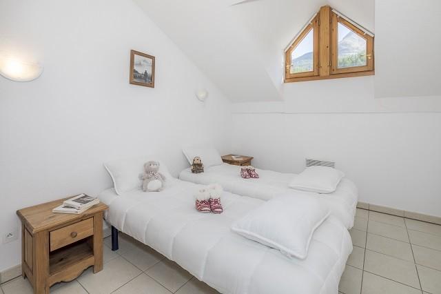l-ecrin-des-orres-chambre-2-lits-simples-appartements-8-couchages-54149