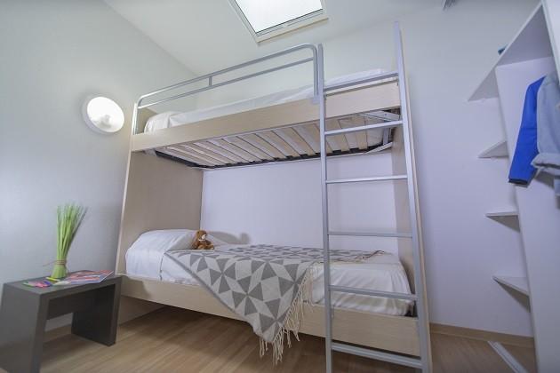 les-terrasses-du-soleil-d-or-2-3-pieces-duplex-6-personnes-chambre-2-2756425