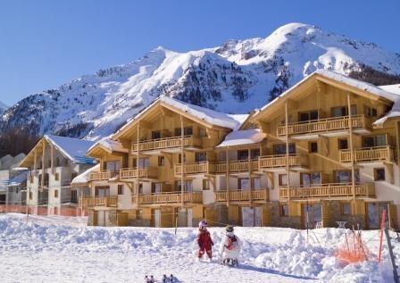 parc-des-airelles-exterieur-hiver-557454